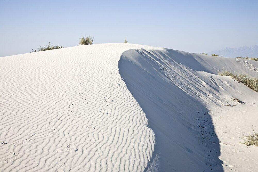Гипсовая дюна в Национальном памятнике «Белые пески» (штат Нью-Мексико, США)